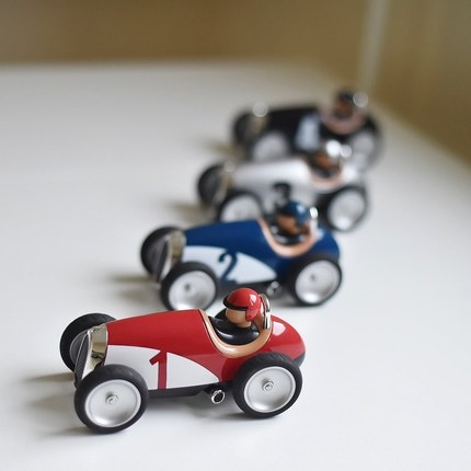 Discover our little toys collection including our Racing cars - from 1 y.o 🎁🏎😊 thank @bunny_hill for this lovely photos ! we love it 😍 #vintagetoys #giftideas #childrengifts #toyscar #🏎