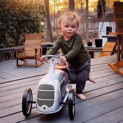 Thank you @lasoules and auntie Jennifer for this lovely photo ! We wish Bobby the most beautiful adventures on his new ride-on☺️ #instatoys #toystagram #porteurbebe #babyshowergift #playingoutside #bagheracar