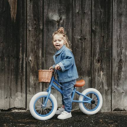 Today you can win a Balance bike thanks to @meli.meloon 🎉😊 To participate, check the post of @meli.meloon, everything is very well explained ! The competition ends on 24/07. at noon. The winner will be notified by PN. Participation from 18 years. The competition is in no way connected to Instagram. 📷@meli.meloon 😍