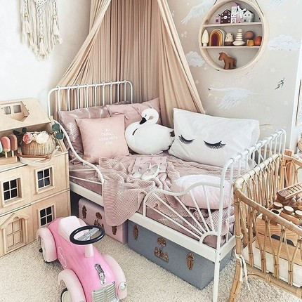 Thanks @lovely_lo_ve for this splendid #kidsbedroom with our little Pink ride-on😍 👏🏻 #instatoys #toystagram #babyroomideas #babyshowergiftideas #jouetbebe #bagheracar