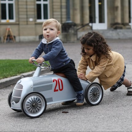 Discover our collaboration with @mercedesbenz ❤️ Ride-on from 2 y.o 📷@emilykornya 👏🏻 #bagheracar #toystagram #instatoys #summertoys #jouetenfants