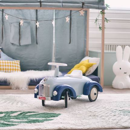 Discover our collection of ride-ons for little pilot ! In metal and from 1 y.o 🎁☺️ perfect Christmas, birthday or #babyshower gift 🥰 📷@mylittleroomch 👏🏻❤️ #vintagetoys #christmasgiftsideas #christmastoys #toystagram #baghera #birthdaykids